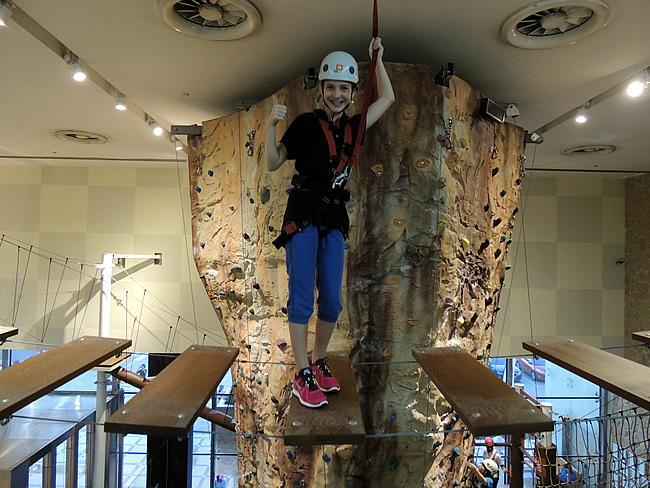 Sara bij AdventureHQ Dubai