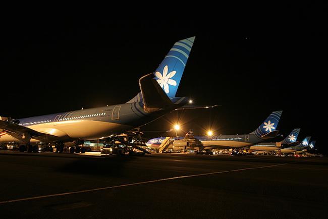 5 avions de Air Tahiti Nui sur le tarmac à Papeete