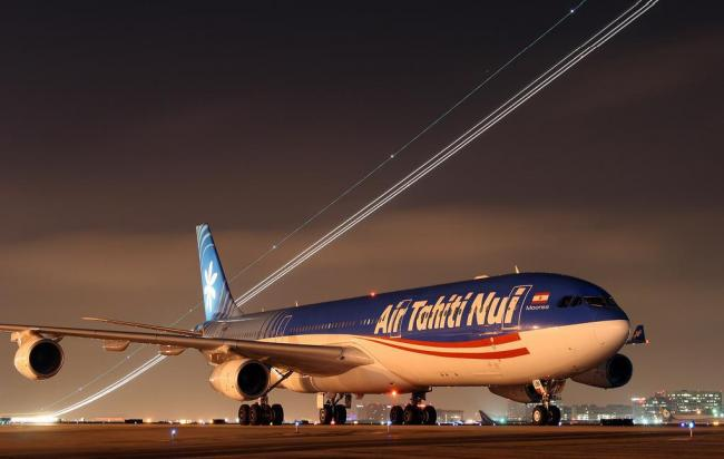 Air Tahiti Nui by night in Los Angeles