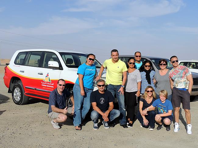 Arabian Adventures groep foto met ATN crew