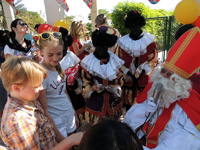 Sinterklaas in Dubai door Belgian Club